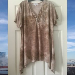 NWOT Flowy Zipper Blouse